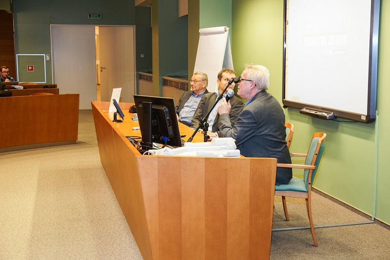 """Seminarium """"Reindustrializacja i unarodowienie kapitału: czy recepta na sukces?"""" Fotorelacja"""